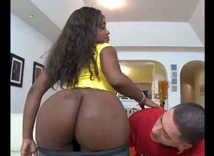 Plump dark-hued hoe with jiggly..